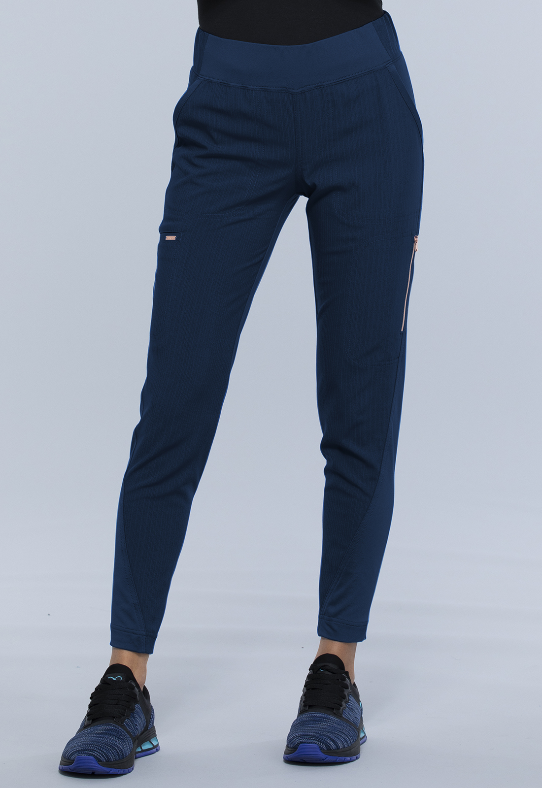 Mid-Rise Tapered Leg Pull-on Pant